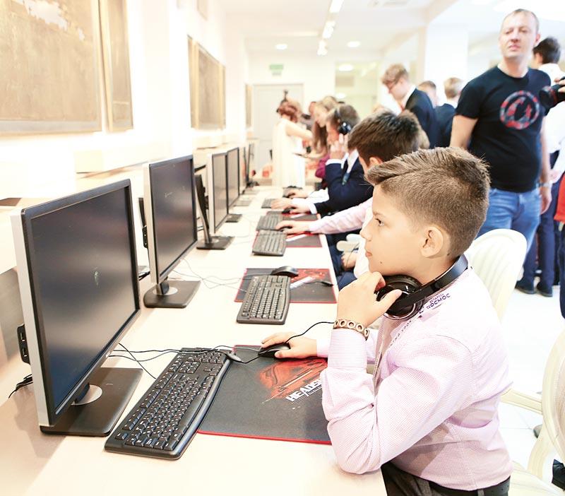 дети, компьютеры, беларусь и космос