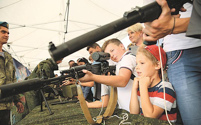 день танкиста, дети, оружие