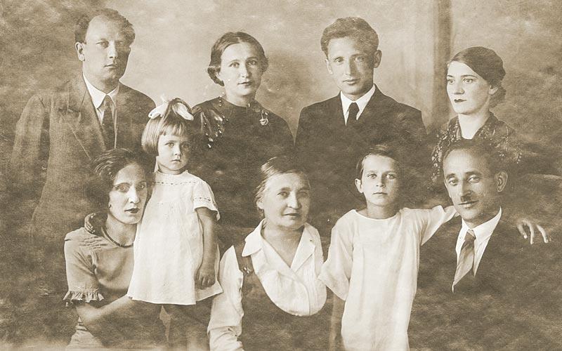 семья артишевских