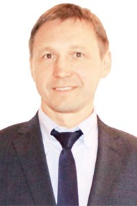 Роман Никонов