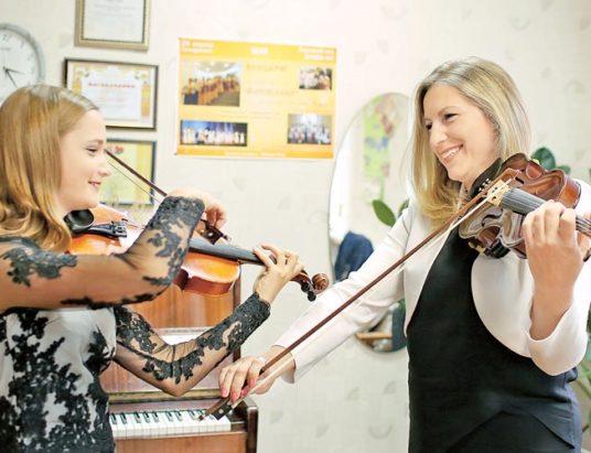 урок игры на скрипке, светлана свириденко