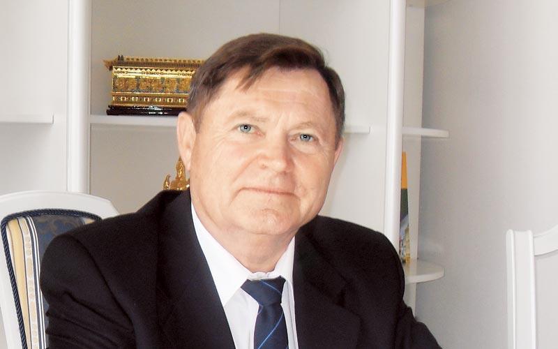 Владимир Белохвостов