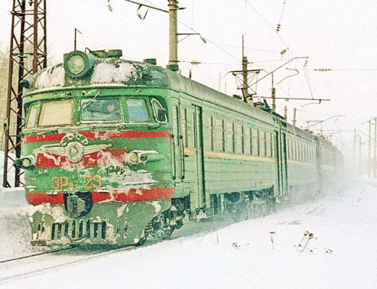 электричка ЭР9-23