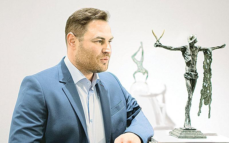 Дмитрий Оганов