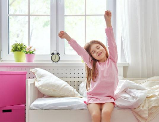 девочка, утро, мебель