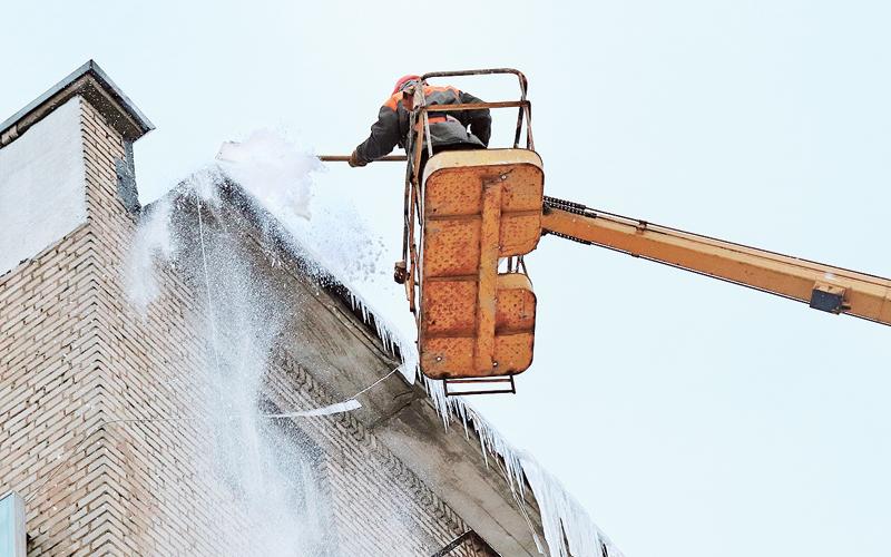 очистка крыши от снега