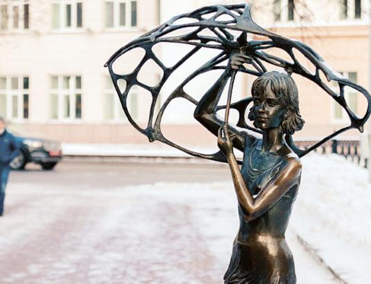 девочка с зонтиком, минск
